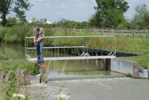 Pêche en aval d'un barrage en Vendée